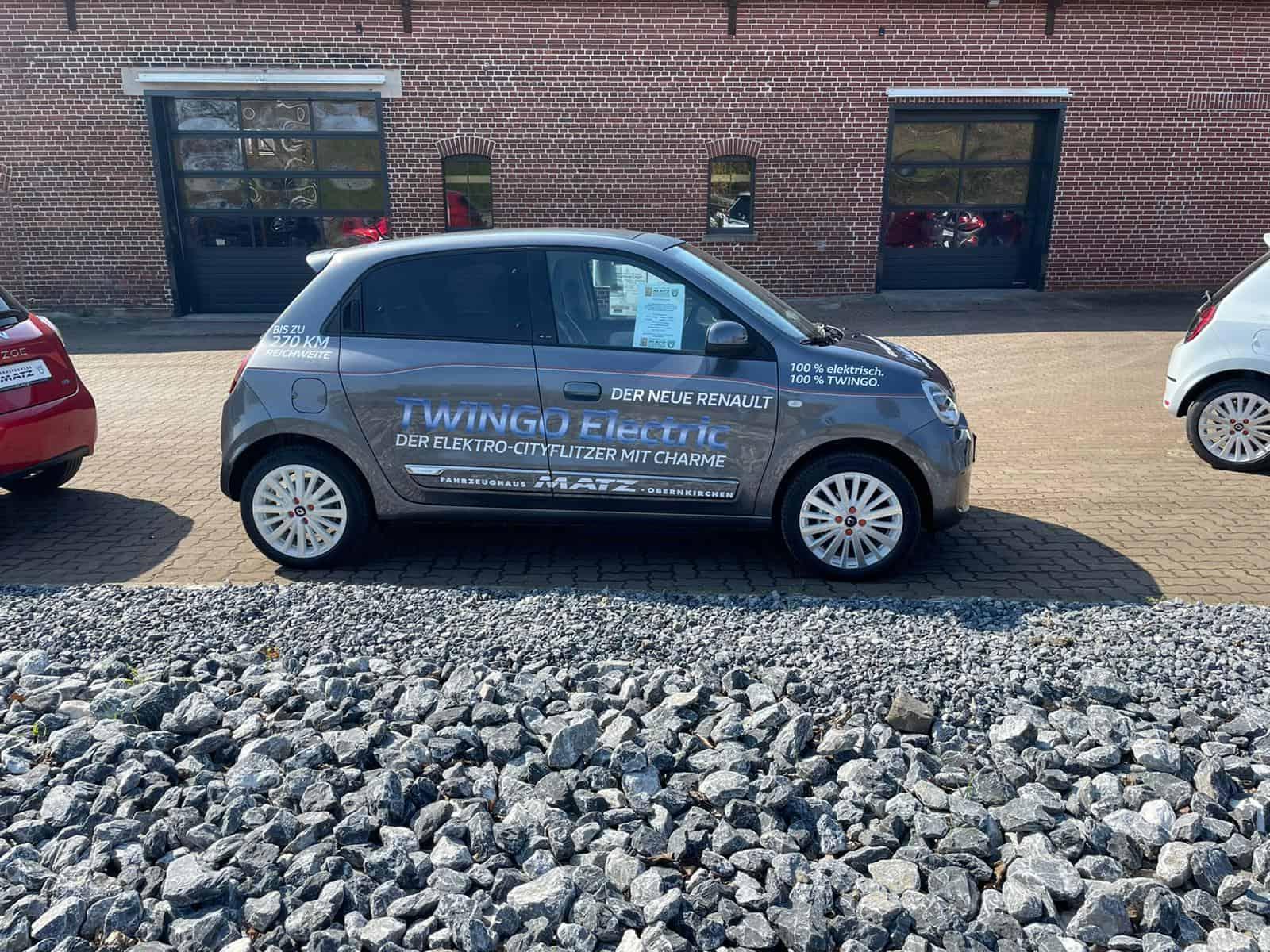 Frische Fahrzeug Beklebung für unsere zwei meistverkauften Elektroflitzer in Vehlen!